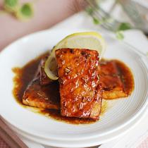 迷迭香酱汁三文鱼