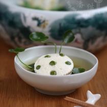 鲜味莲蓬豆腐钵