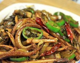 酸菜炒乃鱼