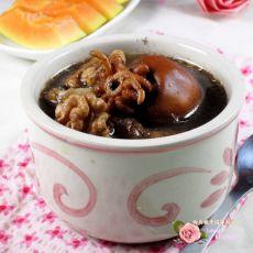 核桃墨鱼汤