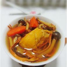 蟹味菇虫草花鸡汤