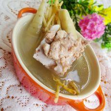 猪骨煲苓薯茅根汤