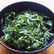 凉拌茼蒿菜