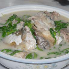 茼蒿鱼头汤
