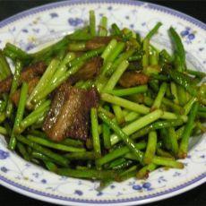 干烧五花肉蒜苔