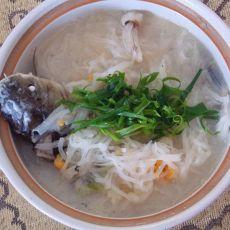 银丝鲫鱼汤