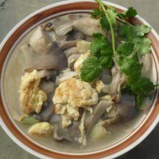 鸡蛋蘑菇汤