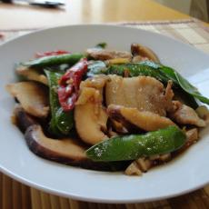 豆角蘑菇炒猪肉