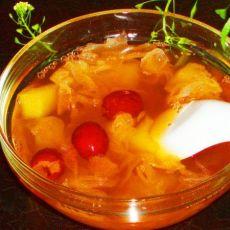 银耳红枣苹果汤