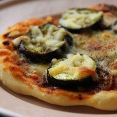 烤圆茄肉酱披萨