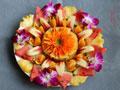 春节的宴席水果拼盘红红火火