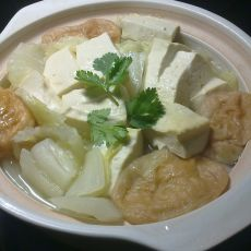 砂锅白菜豆腐热汤
