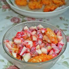 草莓酸沙虾球