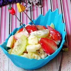 酸奶草莓沙拉