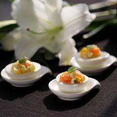 三文鱼沙拉鸡蛋盏