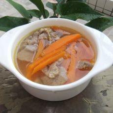 胡萝卜瘦肉汤