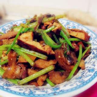 西芹豆干回锅肉
