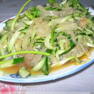 黄瓜拌海蜇丝