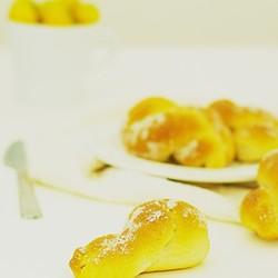 麻花甜甜圈