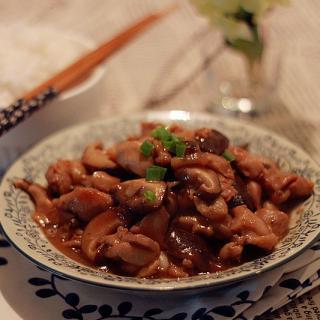 香菇鸡腿肉饭