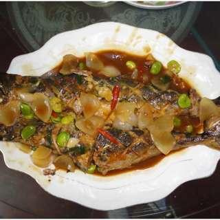 洋葱焖马鲛鱼