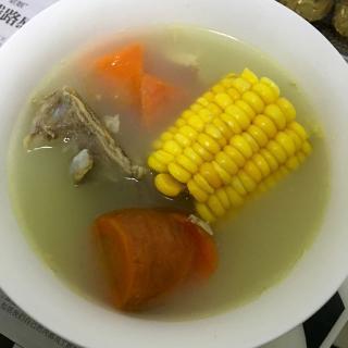 营养玉米排骨汤