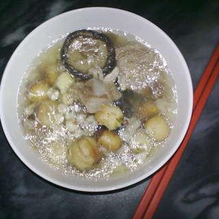 蘑菇莲子汤