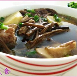 龙骨茶树菇汤
