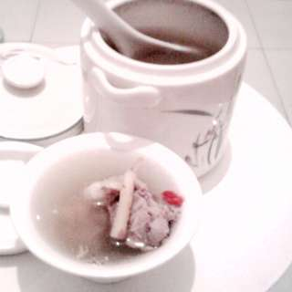 龙骨煲营养汤