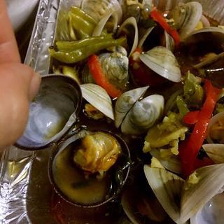 烤蛤蜊配龙骨清汤面