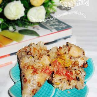 八宝咸蛋黄肉粽子