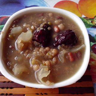 红枣桂圆八宝粥