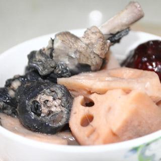 莲藕乌鸡汤