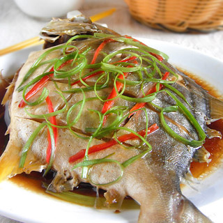 营养鲳鱼_价值食谱_做法的鲳鱼鲳鱼_菜谱的做配粥家常菜鲳鱼图片