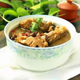 榛蘑脊骨汤