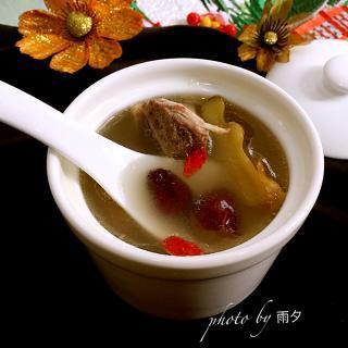 红枣枸杞大骨汤