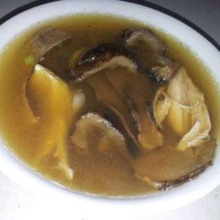 海参松茸鸡汤