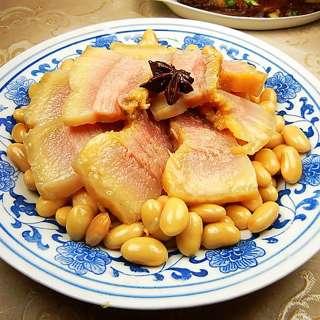 咸猪头肉炖黄豆