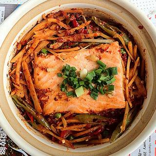 酸辣三文鱼豆腐糙米饭