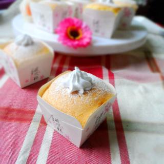 奶油纸杯海绵蛋糕