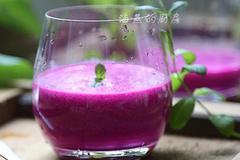 高颜值营养饮品-火龙果奶昔
