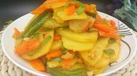 土豆片炒胡萝卜