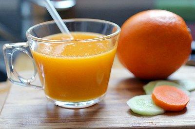 芒果综合蔬果汁