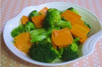 胡萝卜拌西兰花