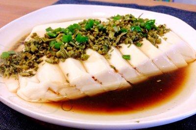 香椿蒸豆腐