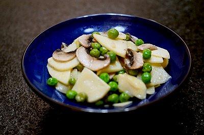豌豆蘑菇炒春笋