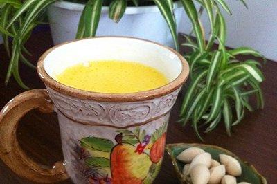 养生润燥饮品:百合银耳白果汁