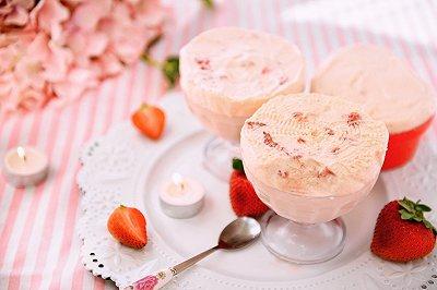 堪比哈根达斯的草莓果肉冰激凌