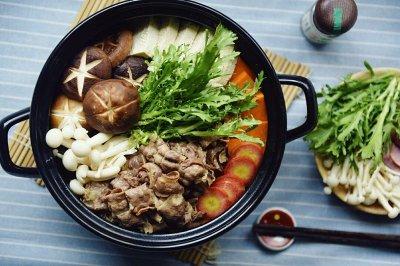 日式肥牛火锅:寿喜烧