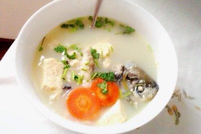 白玉银丝鲫鱼汤